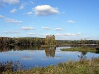 Островок на озере